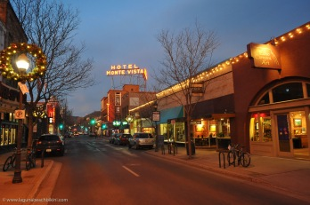 downtown-flagstaff-night